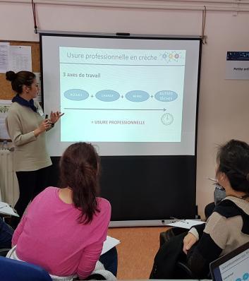 photo de l'atelier petite enfance lors du forum sur la prévention des troubles musculo squelettiques