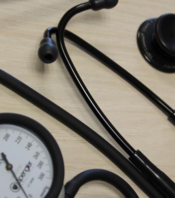 stéthoscope et tensiomètre